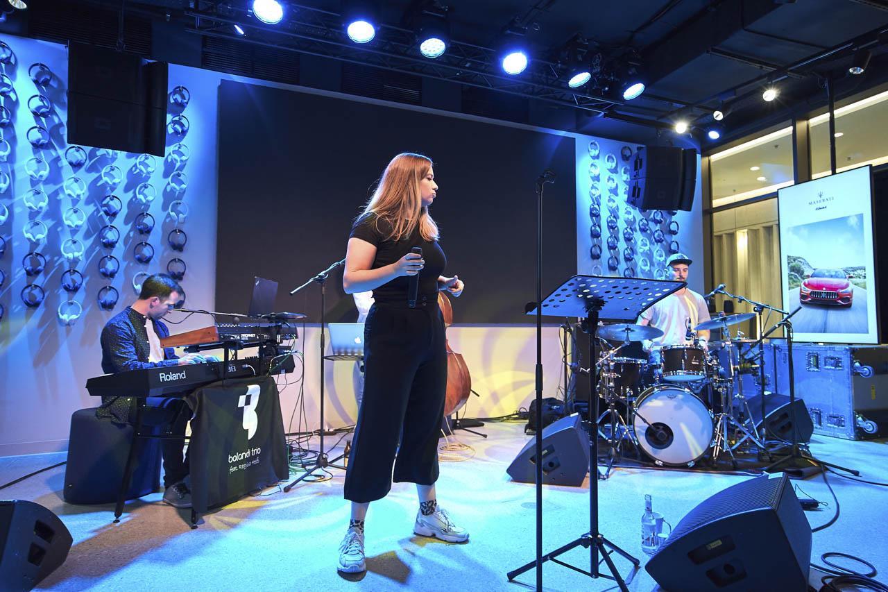 Band Firmenfeier, Bolandi Trio mit Sängerin Regy, live bei einem Event der Firmen Harman und Maserati  in München