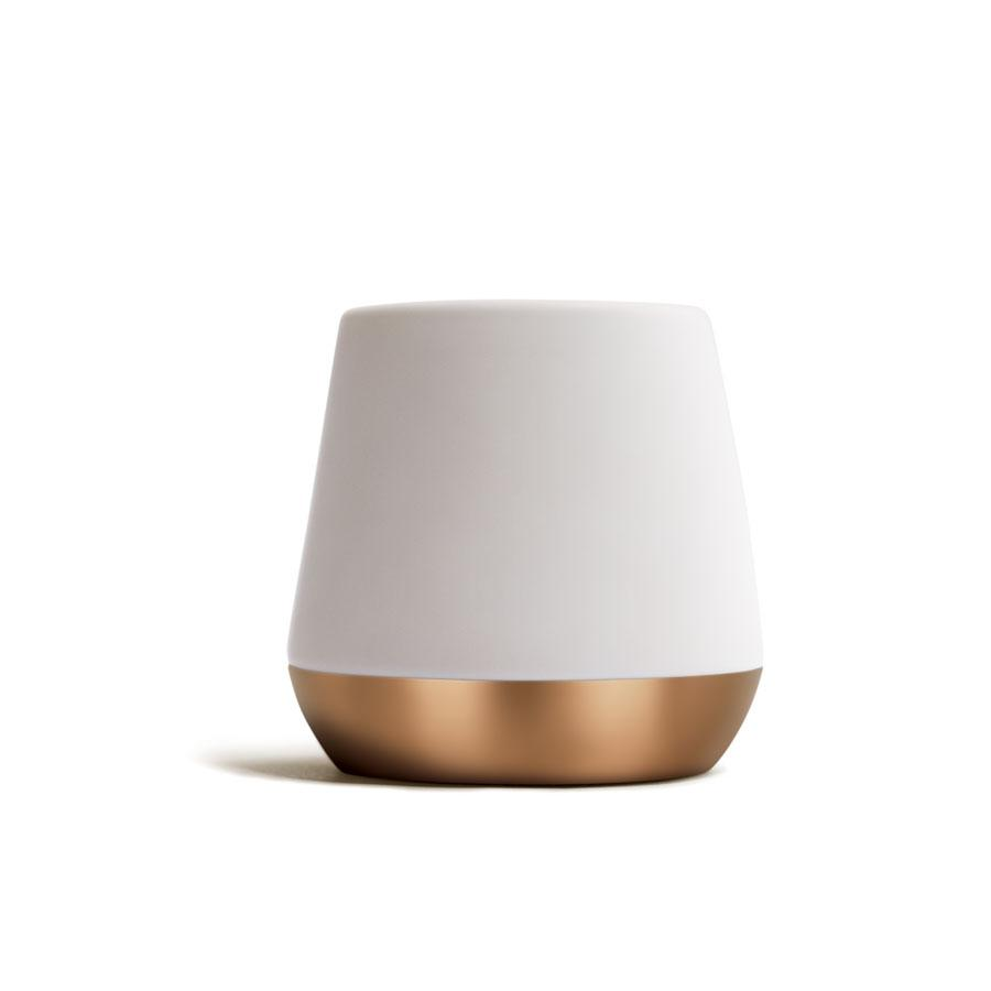 White and gold ceramic mug