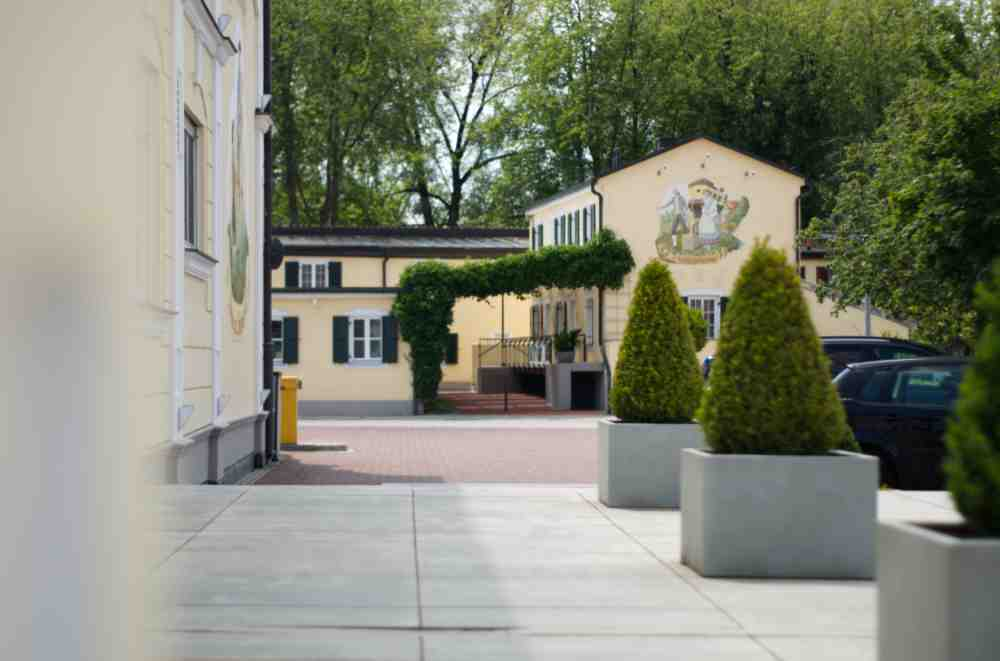 Hotel am Schlosspark zum Kurfürst Chalet außen