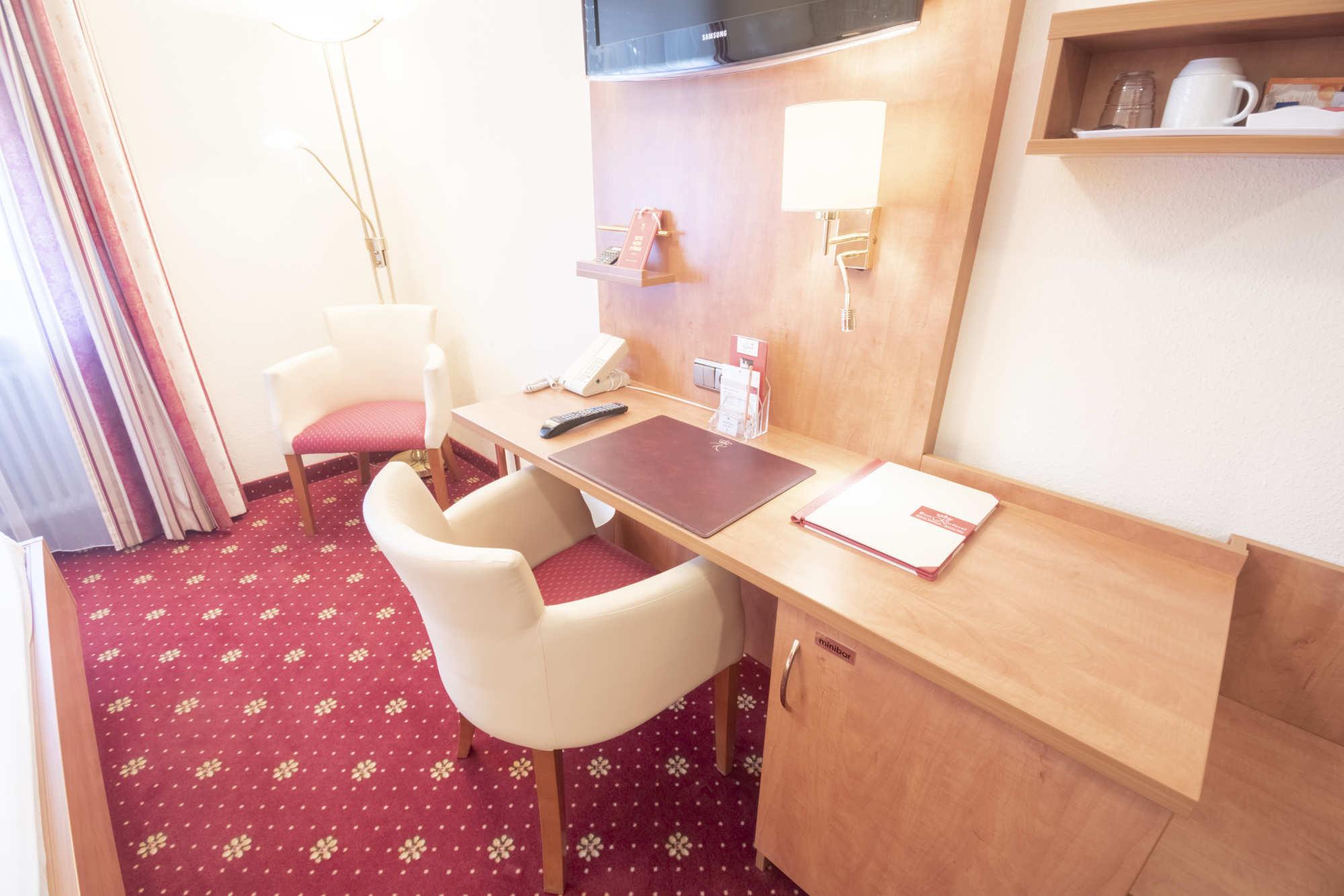 Hotel am Schlosspark zum Kurfürst Französisches Bett Zimmer