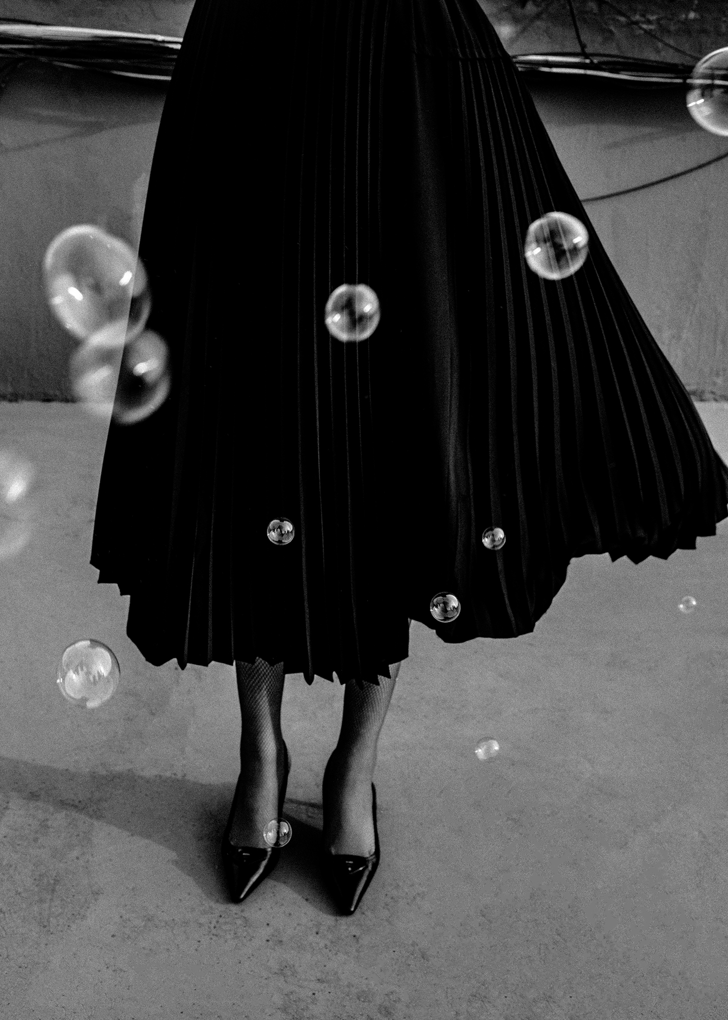 Just as bubbles pop out in a moment, I hope that this moment where we are now will be invisible like bubbles and return to the original form of our society.