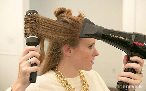 Cách sử dụng máy sấy tóc tạo kiểu tóc đẹp