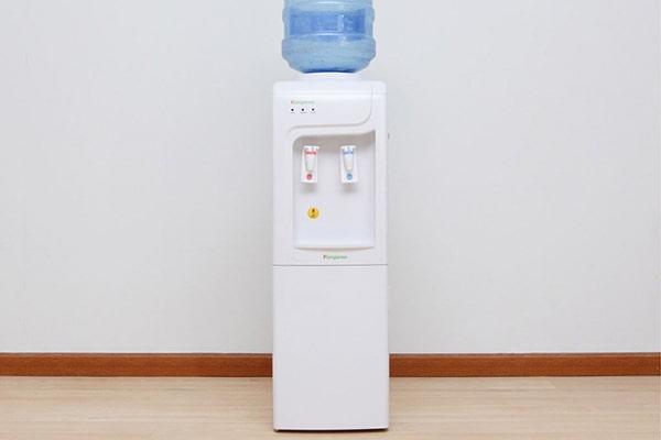 Cây nước nóng lạnh loại nào tốt ?