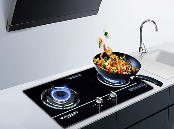 Điều chỉnh ngọn lửa phù hợp khi nấu