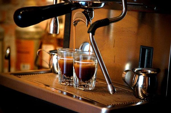 Máy pha cà phê loại nào tốt ?