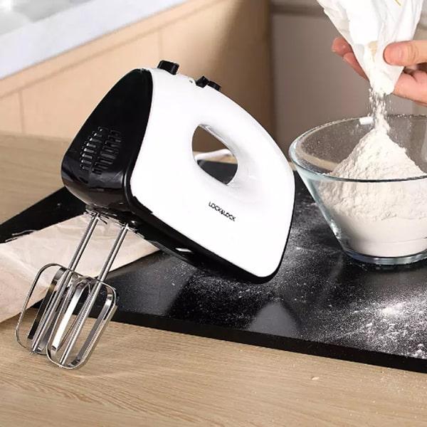 Máy đánh trứng Lock & Lock Hand Mixer EJM501BLK