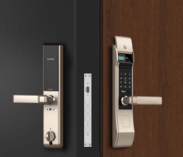 Nên mua khóa cửa vân tay loại nào tốt nhất?