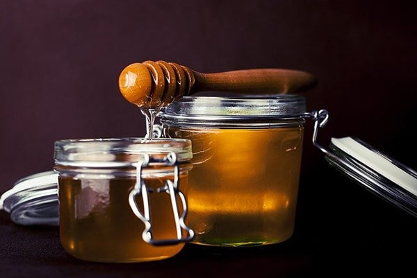 Sử dụng hỗn hợp xà phòng và mật ong để đuổi ruồi