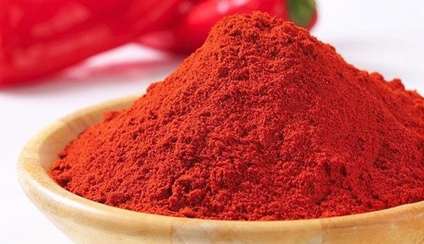 Dùng bột ớt để đuổi ruồi