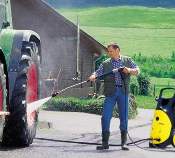 Máy rửa xe cao áp tiết kiệm nước so với các dòng máy khác