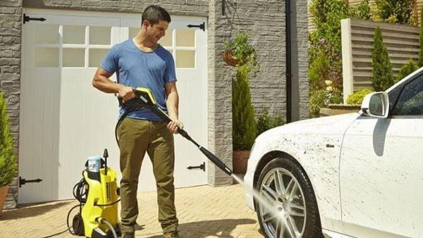 Máy rửa xe cao áp có hiệu suất làm việc cao