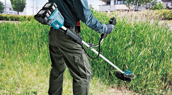Máy cắt cỏ cầm tay nào tốt đáng mua hiện nay ?