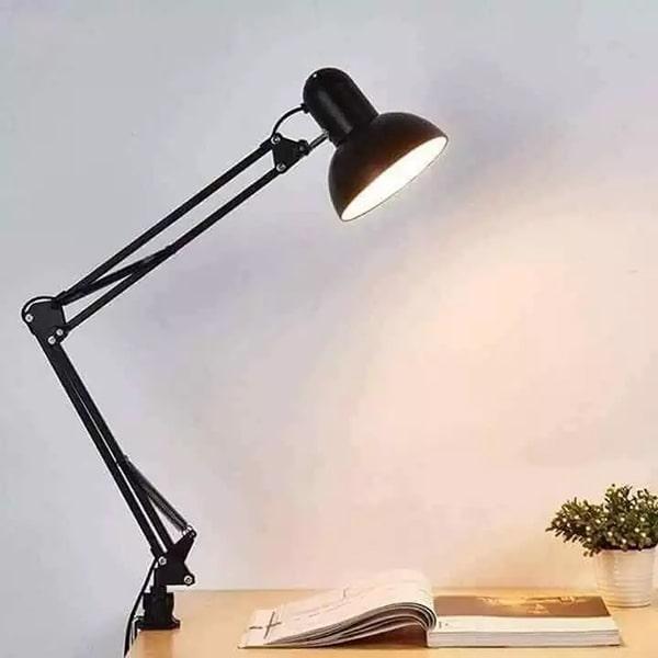 Đèn bàn học, làm việc nên chọn mua loại nào ?