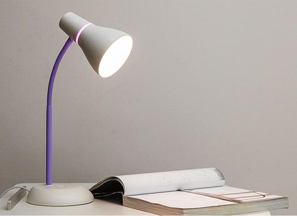 Đèn bàn học thương hiệu Philips