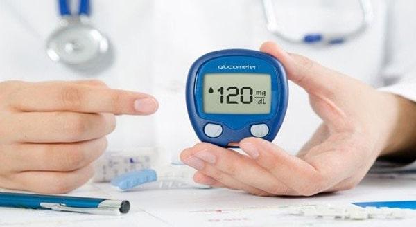 Máy đo đường huyết dung lượng lưu kết quả phải lớn