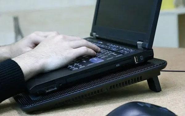 Đế tản nhiệt laptop có chức năng gì ?