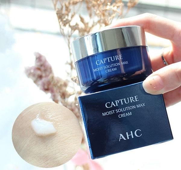 Kem dưỡng ẩm cấp nước AHC Capture Moist Max Cream