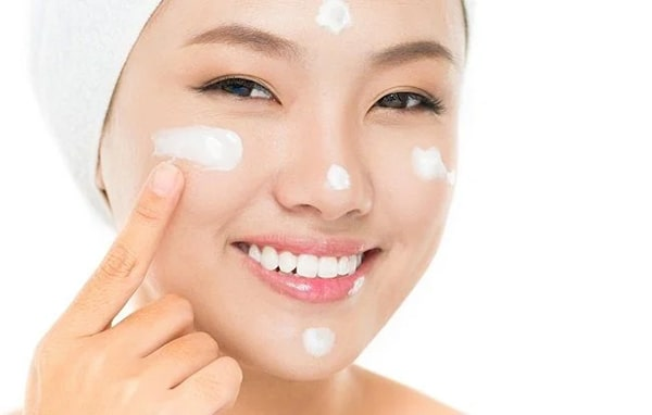 Kinh nghiệm chọn kem dưỡng ẩm cho da khô