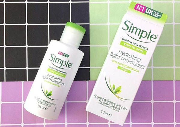 Kem dưỡng ẩm Simple Kind To Skin Hydrating Light Moisturiser