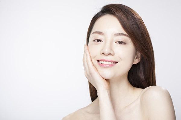 Kem dưỡng trắng da mặt cần có thành phần an toàn