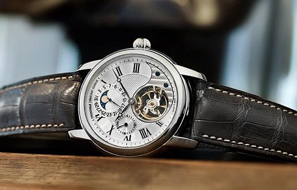 Đánh giá đồng hồ Frederique Constant đáng sở hữu nhất năm 2021