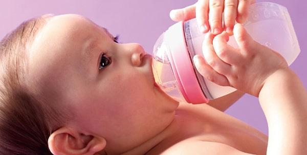 Có khá nhiều mức giá bình sữa cho bé