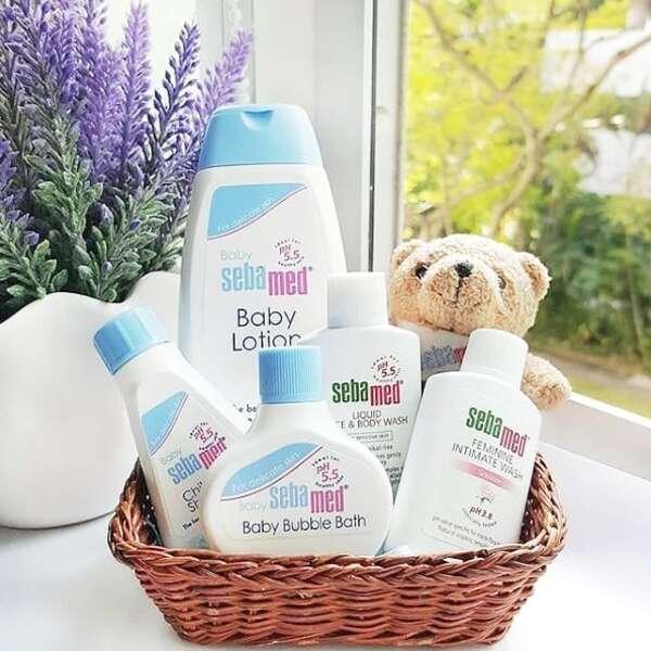 Sữa tắm cho trẻ sơ sinh Sebamed Baby Bubble Bath pH 5.5