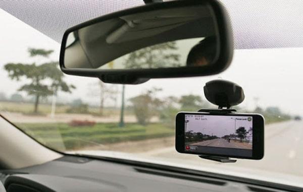 Camera hành trình là dùng để ghi lại hành trình của mọi chuyến đi