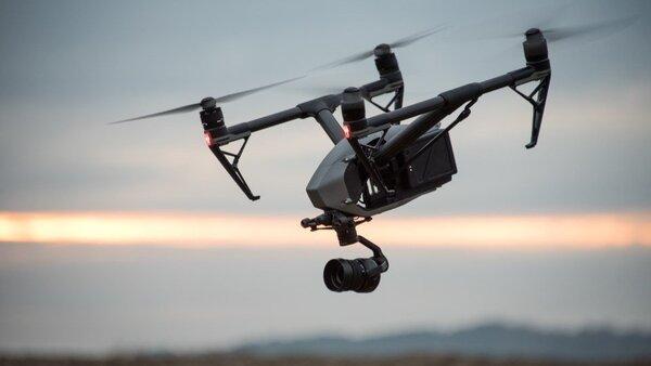 Tùy vào mục đích sử dụng sẽ chọn flycam với chức năng và giá thành khác nhau