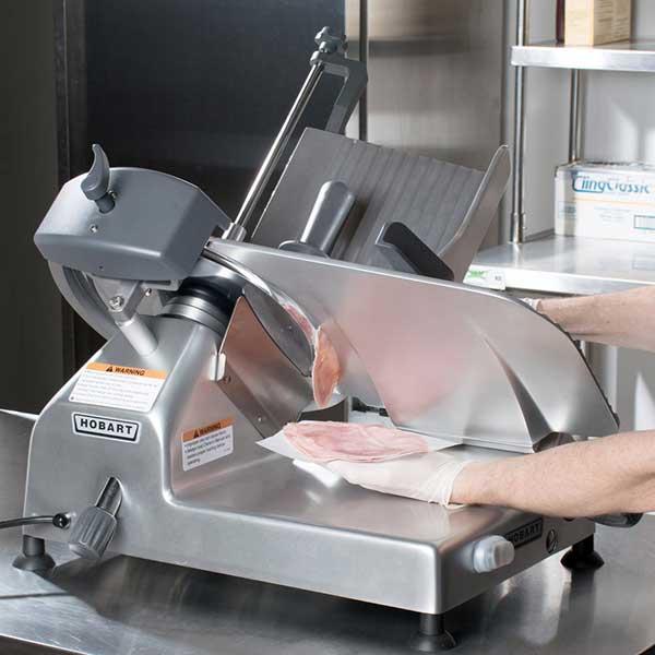 Tìm hiểu rõ hơn về máy cắt thịt có trên thị trường hiện nay