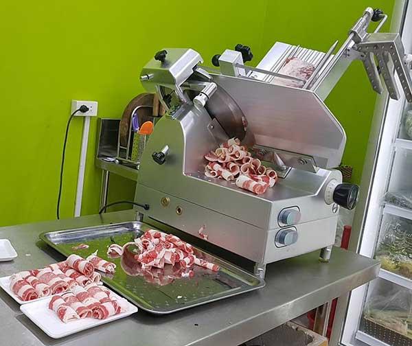 Máy thái thịt SL300A
