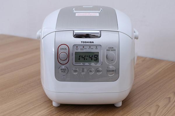 Nồi Cơm Điện Tử Toshiba RC-10NMFVN (WT) 1L