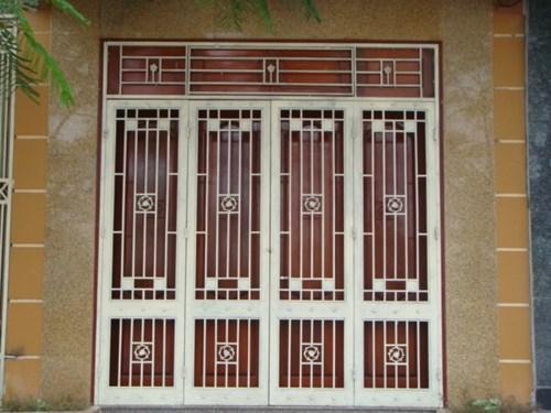 mẫu cửa sắt 4 cánh mặt tiền