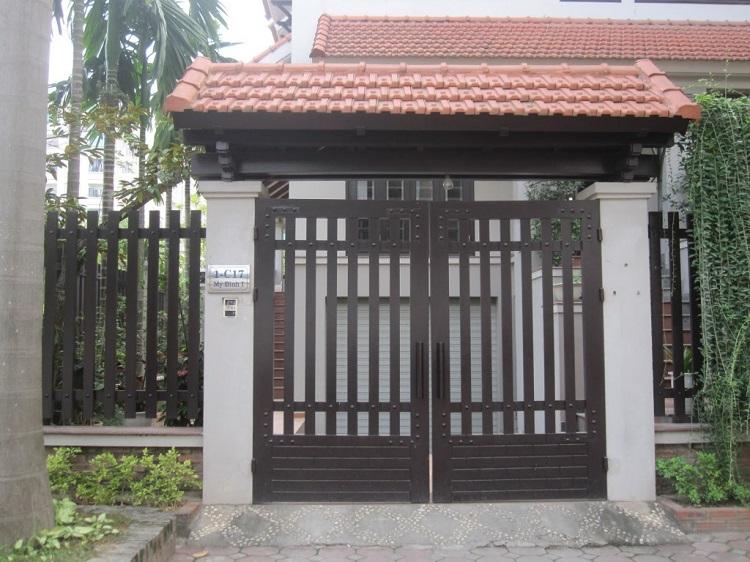 mẫu cửa sắt nhà cấp 4