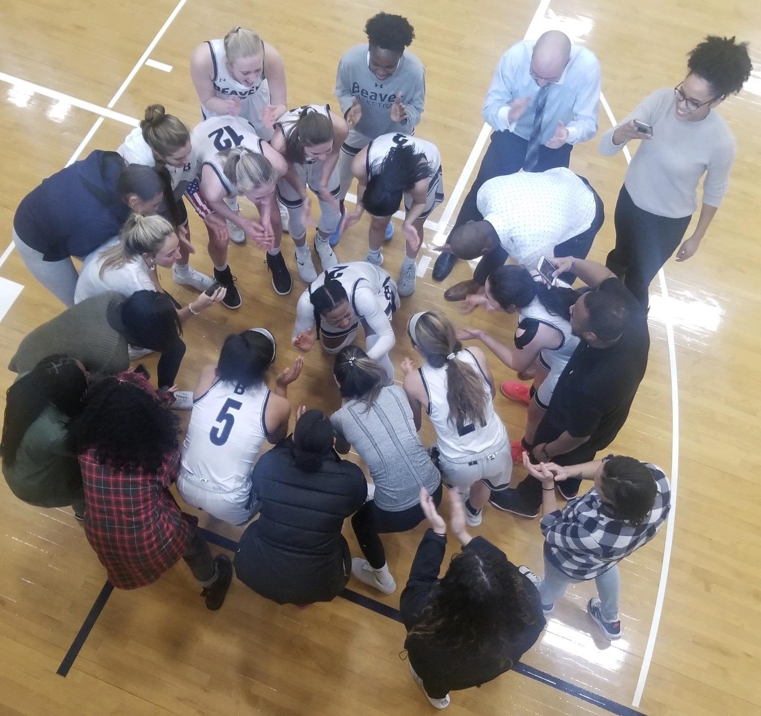 A basketball team huddle. Photo courtesy of Zoë Powell-McCroey.