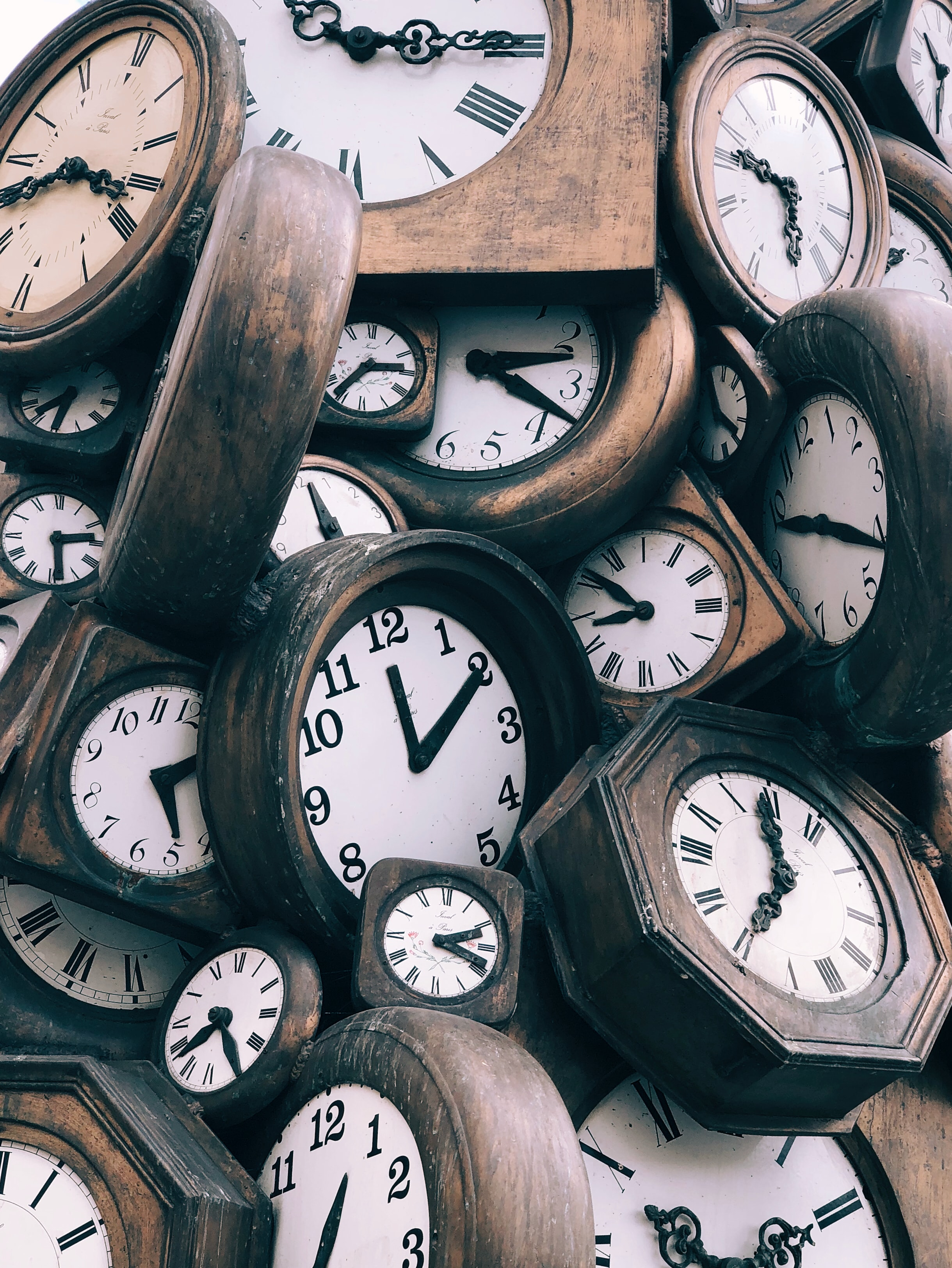Many vintage clocks. Photo courtesy Jon Tyson via Unsplash.