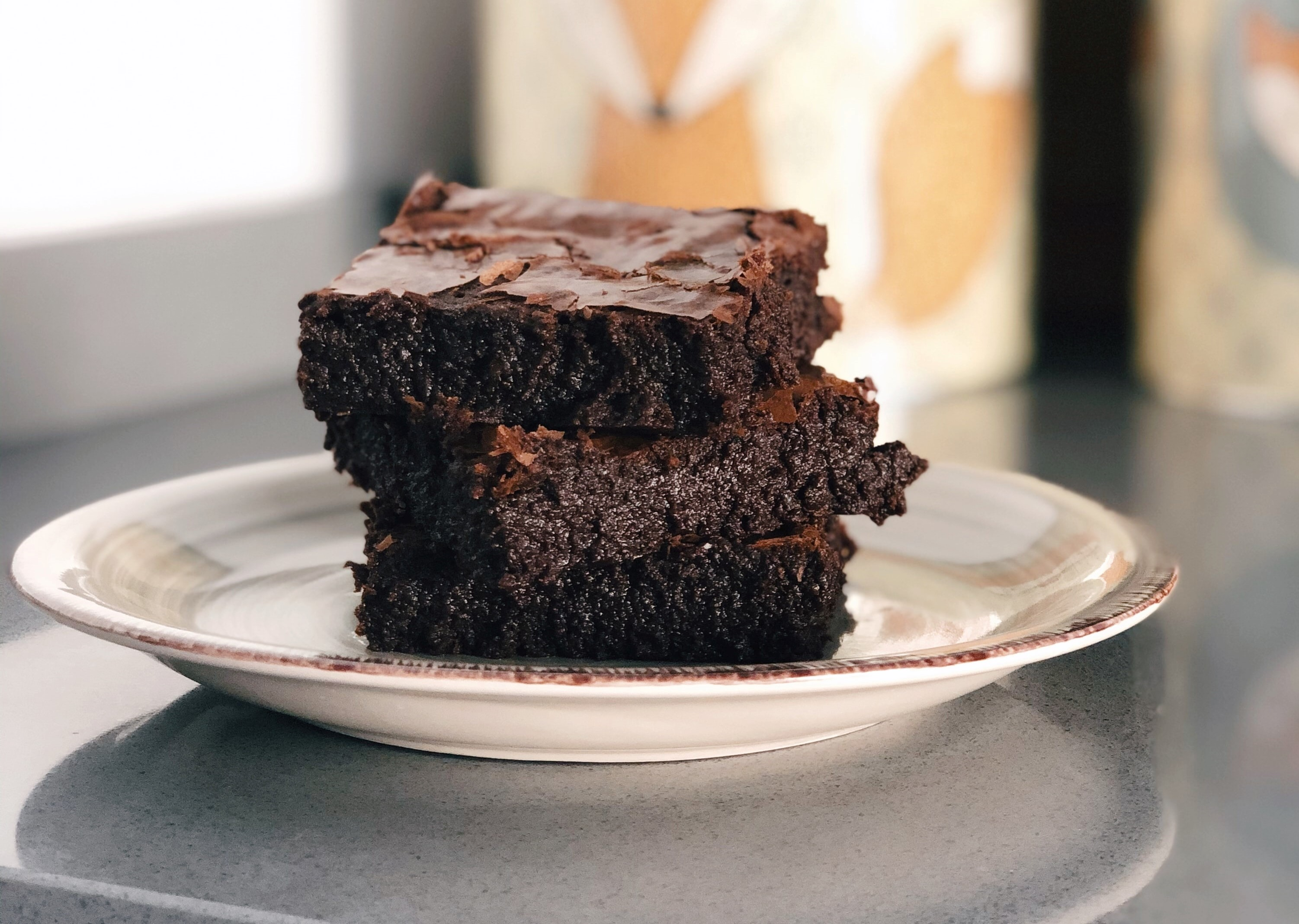 A plate of brownies. Photo by Arantxa Aniorte via Unsplash.