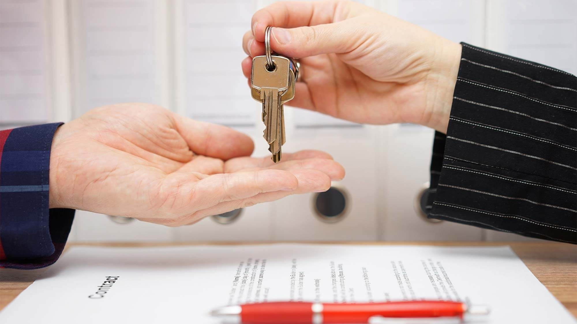 Handing keys over to a buyer of a pre foreclosure