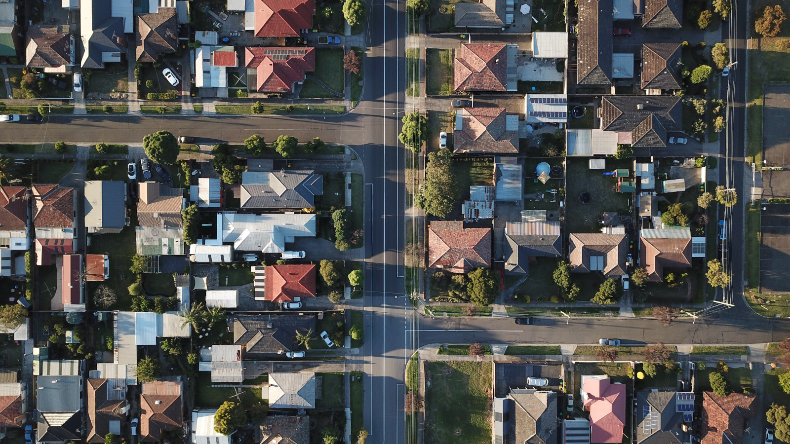 A report published by Middleburg Communities predicts a sharp rise in rental housing demands by 2025 due to declining homeownership in the United States. In addition to demographic variables, the study points out tight lending, lower median net worth, and inertia as the driving factors behind this trend.