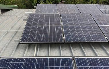5Kw 16* Eging 300w+ Growat 5Kw 3P Single Storey, Flat roof 3.9Kw ; 13 Eging 300w+ Growat 3Kw Single Storey, Flat roof