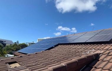 3.9 kW 13*Eging 300 + Growatt 5kW Double storey, Tile roof