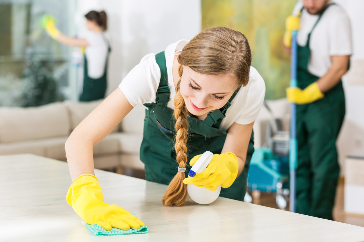 Third-Party Cleaning Service Teams Clean Rentals Fast
