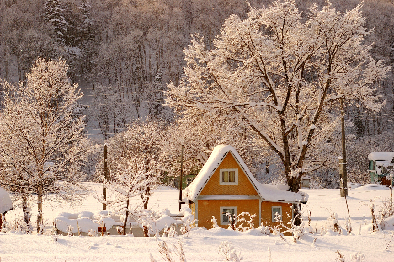 An Exterior Checklist Prepares Your Home for Winter
