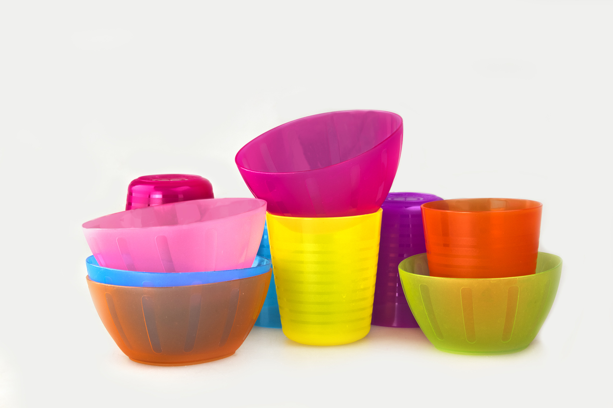 Plasticware for Children Saves You Money with Your Vacation Rental Kitchen