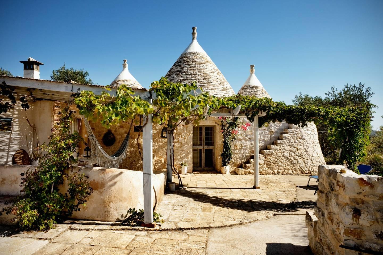 Trullo Aromatic Green - Alternative Airbnb Accommodations Futurestay
