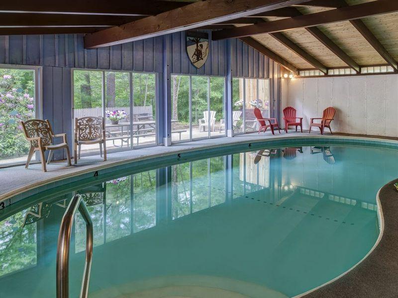Four Seasons Lodge, Indoor Pool - Futurestay