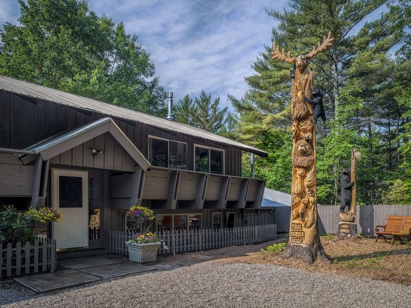 Four Seasons Lodge, North Conway NH - Exterior View - Futurestay