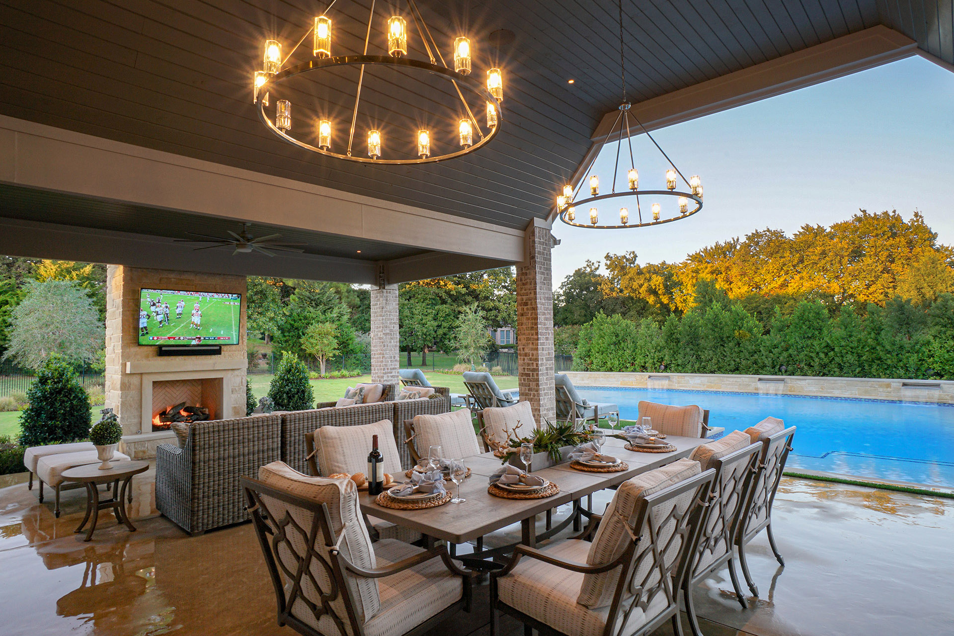 Outdoor Living Spaces Complete with Custom Swimming Pools