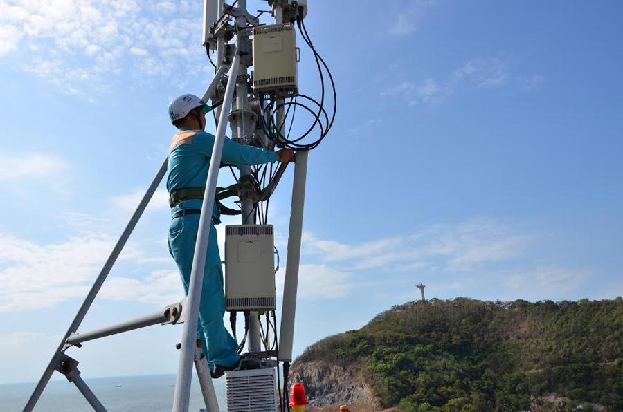 Lắp đặt mạng cáp quang Internet Viettel