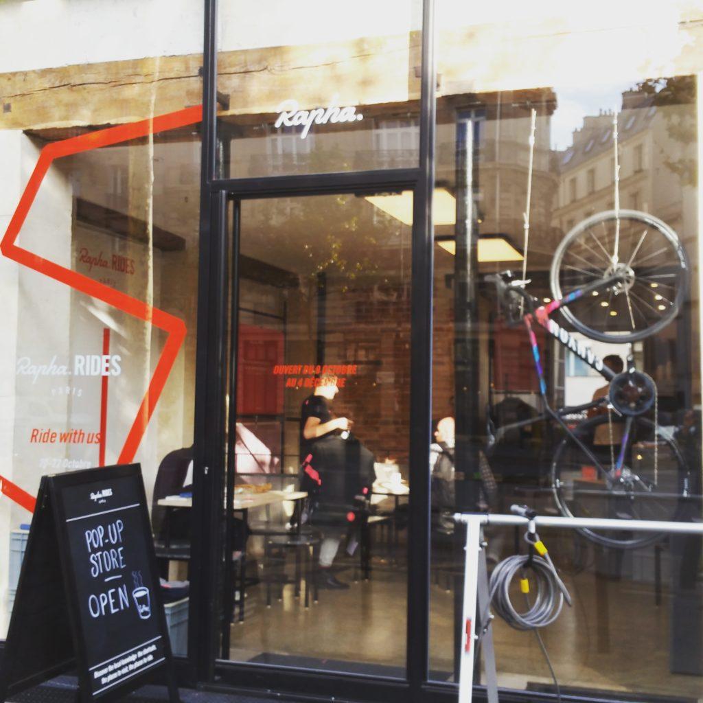 Rapha ouvre une boutique éphémère à Paris : chaud devant !